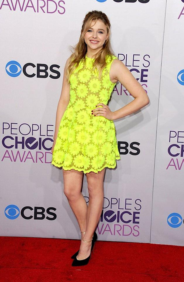 "BEST: Chloë Grace Moretz.  Neon is so back! The cute-as-a-button ""Kick Ass"" starlet can probably be seen from outer space in this bright yellow Simone Rocha mini."