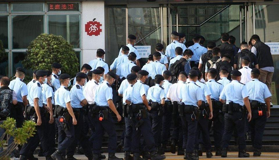 Police on June 17 raided the Apple Daily headquarters in Tseung Kwan O. Photo: Winson Wong