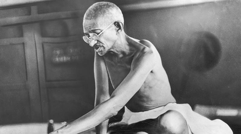 On Gandhi Jayanti, #NathuramGodseZindabad Tweets Celebrating The Father of The Nation's Killer Nathuram Godse Make For Top Trend on Twitter; Dear Indians, We Should Hang Our Heads in Shame!
