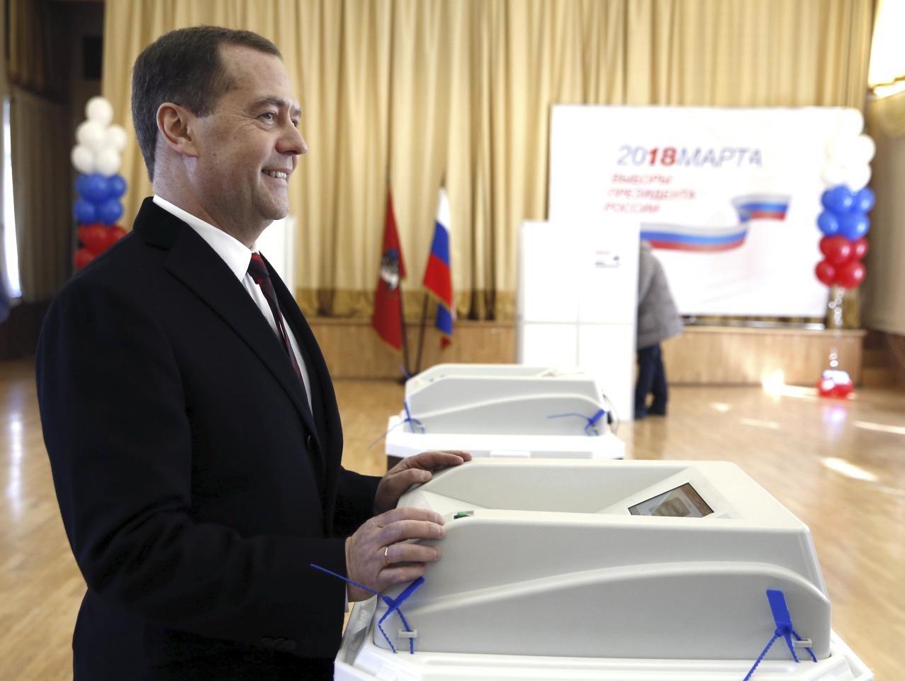 Russian Prime Minister Dmitry Medvedev visits a polling station during the presidential election in Moscow, Russia March 18, 2018. Sputnik/Dmitry Astakhov/Pool via REUTERS  ATTENTION EDITORS - THIS IMAGE WAS PROVIDED BY A THIRD PARTY.