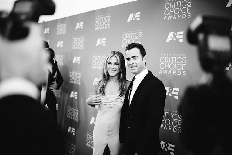 Actors Jennifer Anistor (L) and Justin Theroux attend the 21st annual Critics' Choice Awards at Barker Hangar on on January 17, 2016