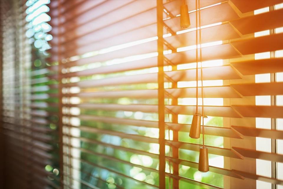 If you want to get your blinds clean faster, simply wrap a cloth around each side of a pair of tongs, secure with rubber bands, and use them to dust between the slats.