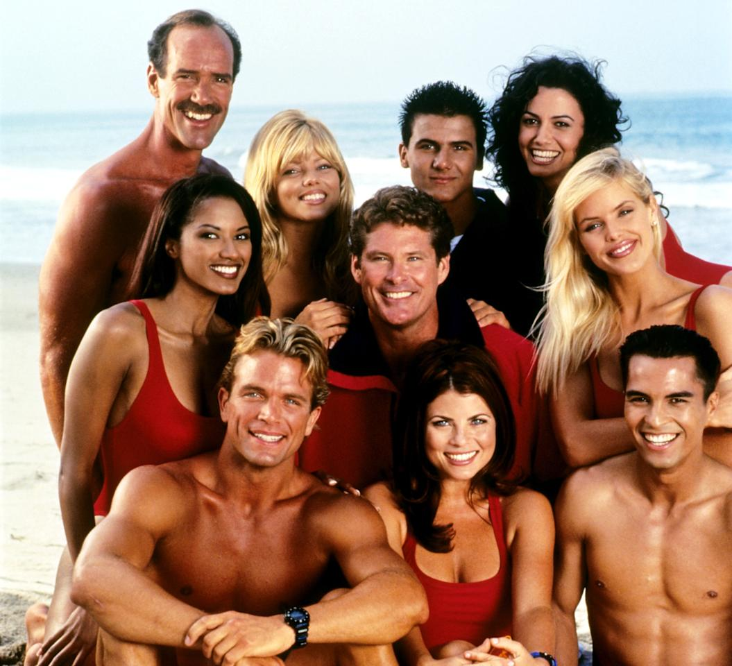 BAYWATCH, clockwise from top left: Mike Newman, Donna D''Errico, Jeremy Jackson, Nancy Valen, Gena Lee Nolin, Jose Solano, Yasmine Bleeth, David Chokachi, Traci Bingham, David Hasselhoff (center), (Season 7), 1989-2001