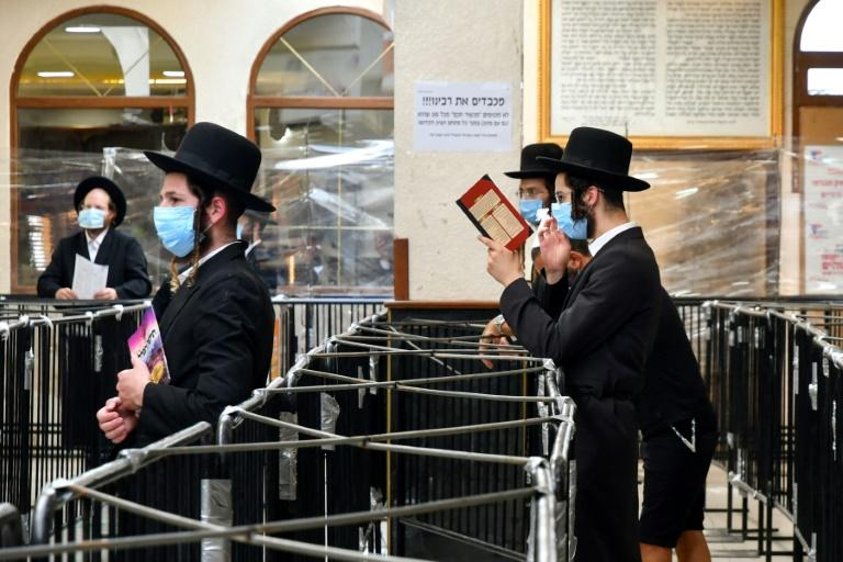 Hundreds of Hasidic Jews blocked at Ukraine border plead for help