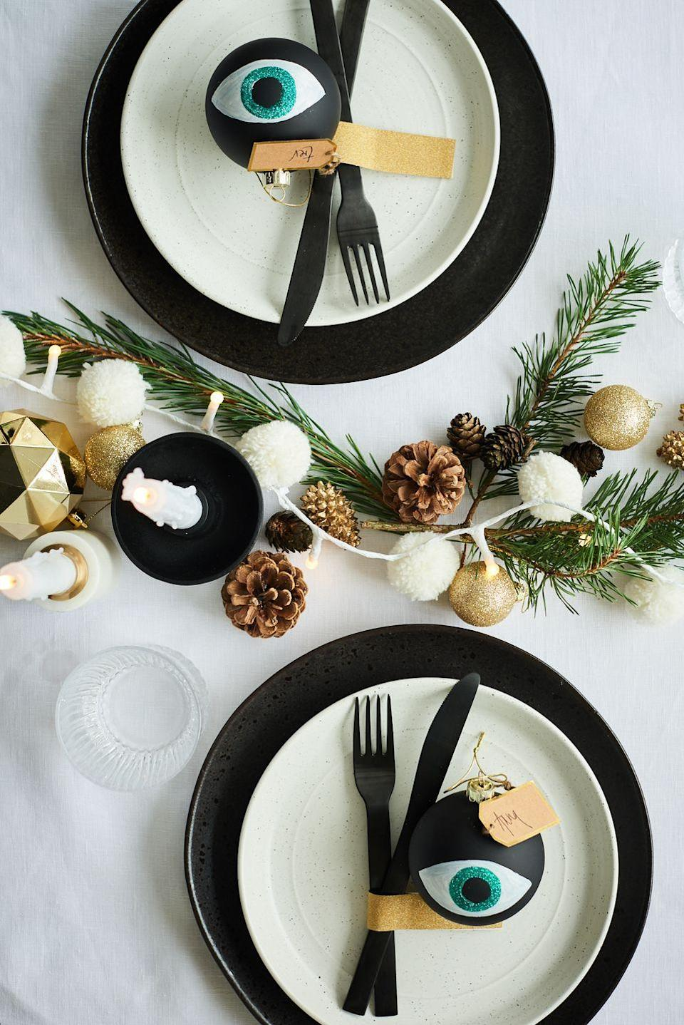 How To Decorate And Style Your Christmas Table Like A Pro