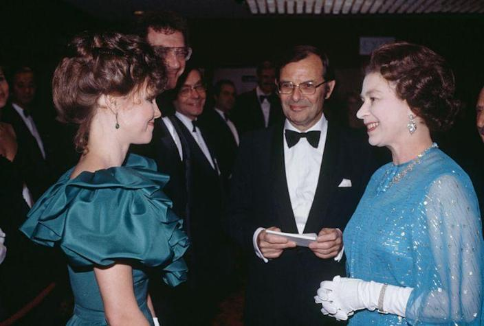 <p>At the premiere of <em>Absence of Malice</em>, Sally Field did what any honorable woman of the '80s would do. She rocked her biggest puff sleeves for the Queen. </p>