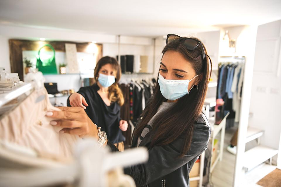 Wearing a mask can offer protection against respiratory illnesses when you're in close proximity to others. (Photo: LeoPatrizi via Getty Images)