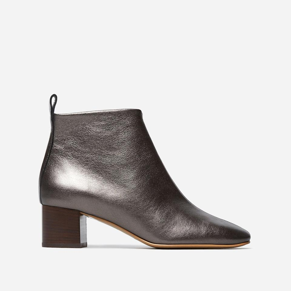"""<h3><a href=""""https://www.everlane.com/products/womens-day-boot-iron?collection=womens-shoes"""" rel=""""nofollow noopener"""" target=""""_blank"""" data-ylk=""""slk:Everlane The Day Boot"""" class=""""link rapid-noclick-resp"""">Everlane The Day Boot</a></h3><br>A stacked heel boot is a fall staple and balances practicality and style like no other shoe style.<br><br><strong>Everlane</strong> The Day Boot, $, available at <a href=""""https://go.skimresources.com/?id=30283X879131&url=https%3A%2F%2Fwww.everlane.com%2Fproducts%2Fwomens-day-boot-iron%3Fcollection%3Dwomens-shoes"""" rel=""""nofollow noopener"""" target=""""_blank"""" data-ylk=""""slk:Everlane"""" class=""""link rapid-noclick-resp"""">Everlane</a>"""