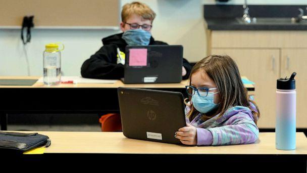 PHOTO: Students wear masks as they work in a fourth-grade classroom, at Elk Ridge Elementary School in Buckley, Wash., Feb. 2, 2021. (Ted S. Warren/AP)