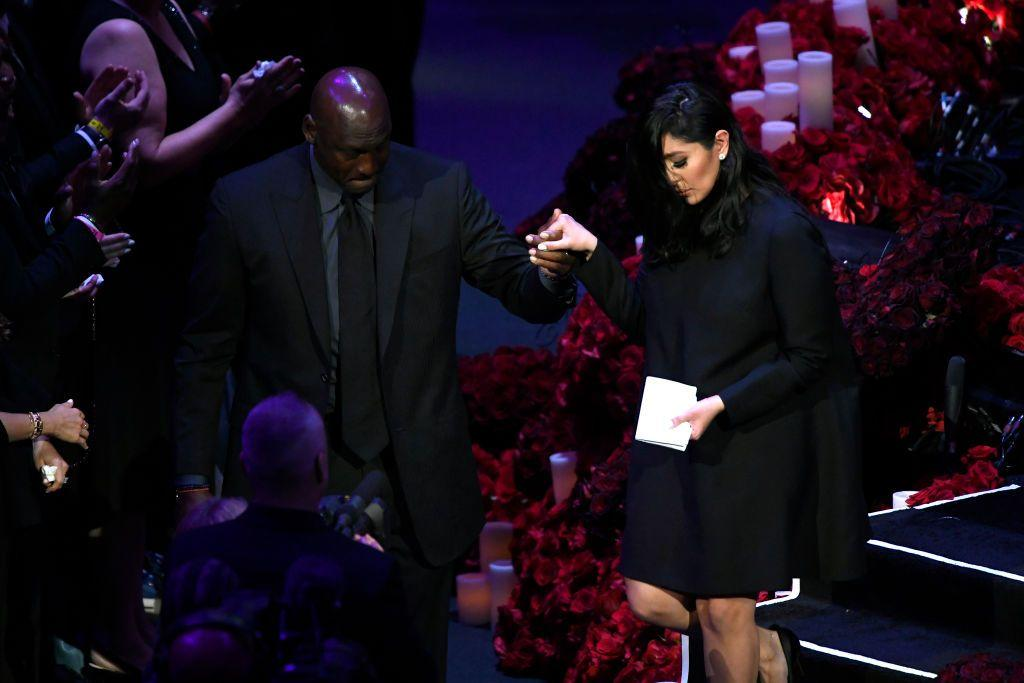 <p>After delivering her eulogy, Vanessa was helped off stage by Kobe's friend the basketball legend Michael Jordan. </p>