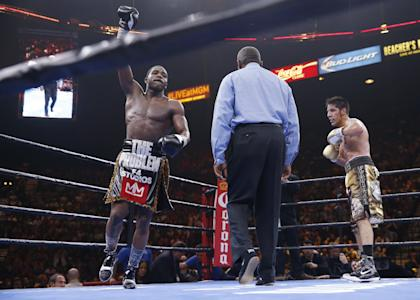It was easy work for Adrien Broner against John Molina Jr. (AP Photo/Eric Jamison)