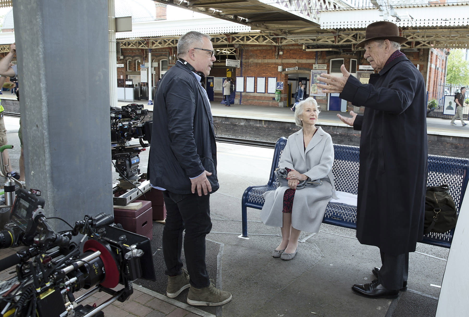 Bill Condon gives direction to Helen Mirren and Ian McKellen while on location for The Good Liar. (Warner Bros.)