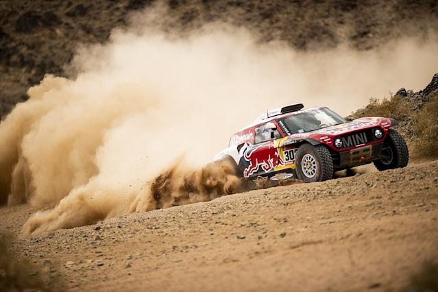 Peterhansel wins Dakar stage four, Alonso loses time
