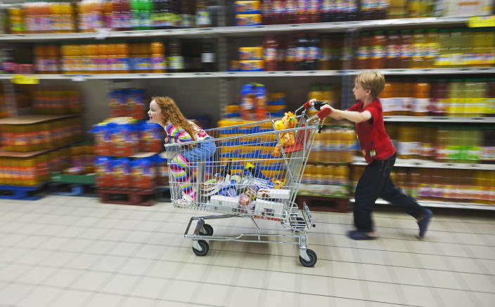 A self-braking trolley has been invented to make the weekly shop so much better for parents [Photo: Getty]