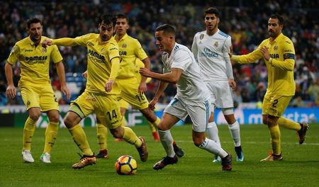 Soccer Football - La Liga Santander - Real Madrid vs Villarreal - Santiago Bernabeu, Madrid, Spain - January 13, 2018 Real Madrid's Lucas Vazquez in action with Villarreal's Manu Trigueros REUTERS/Javier Barbancho