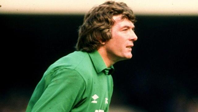 <p><strong>Number of games: 1088</strong></p> <br><p>The legendary Northern Irish stopper racked up 119 caps for his national side, playing in the 1986 World Cup at the age of 41-years-old, which was a record at the time. </p> <br><p>At club level, Jennings crossed the North London divide after playing nearly 600 times for Spurs, moving on to play over half that number for rivals Arsenal.</p>