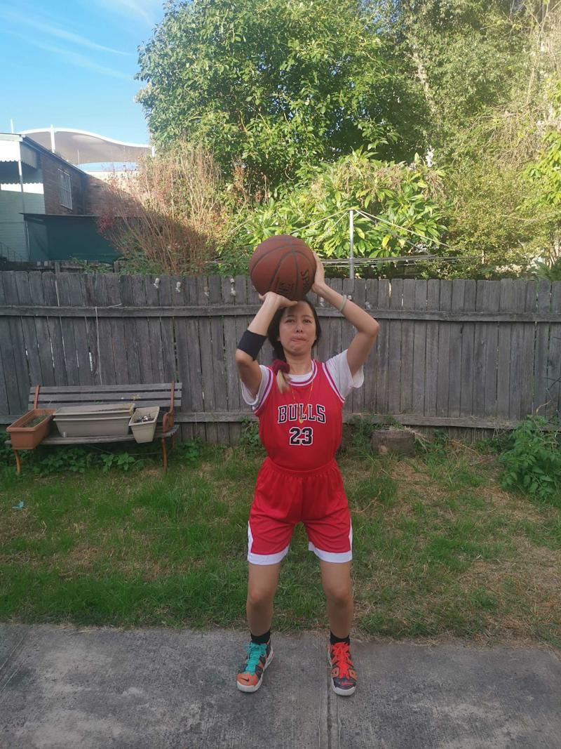 Louise Cheer in a Chicago Bulls uniform.
