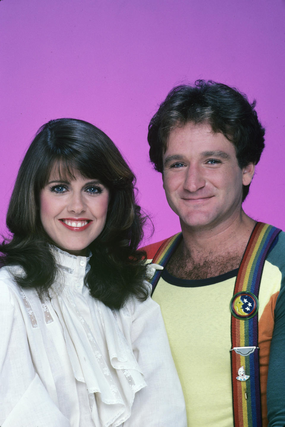 """UNITED STATES - JUNE 12:  MORK & MINDY - """"Wedding Gallery"""" 1981 Pam Dawber, Robin Williams  (Photo by Walt Disney Television via Getty Images Photo Archives/Walt Disney Television via Getty Images)"""