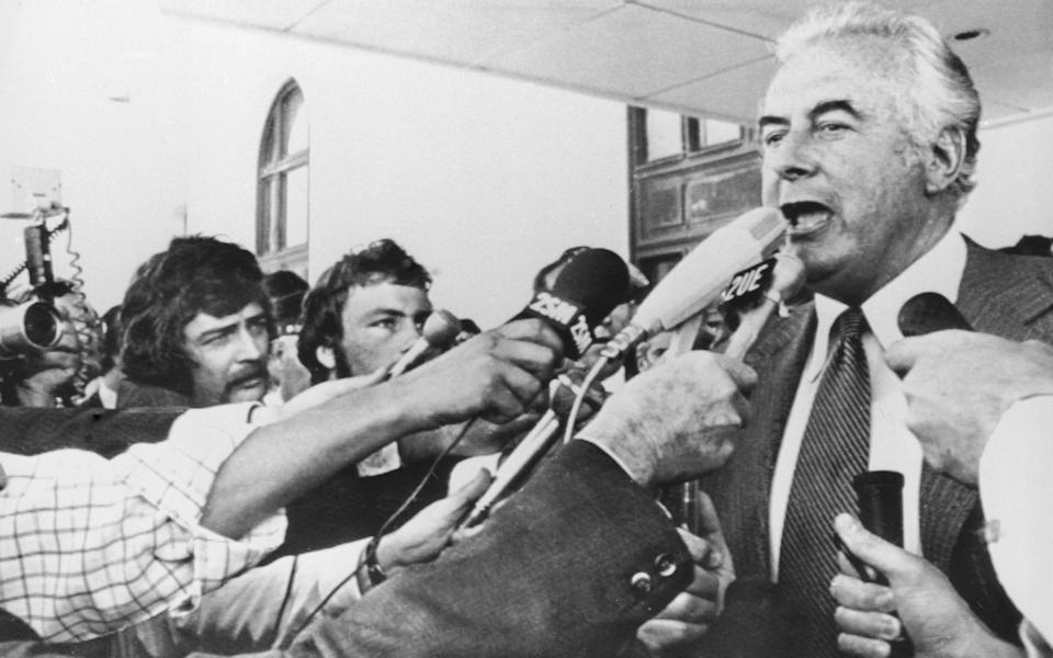 Gough Whitlam addresses reporters in Canberra after his dismissal - HULTON ARCHIVE