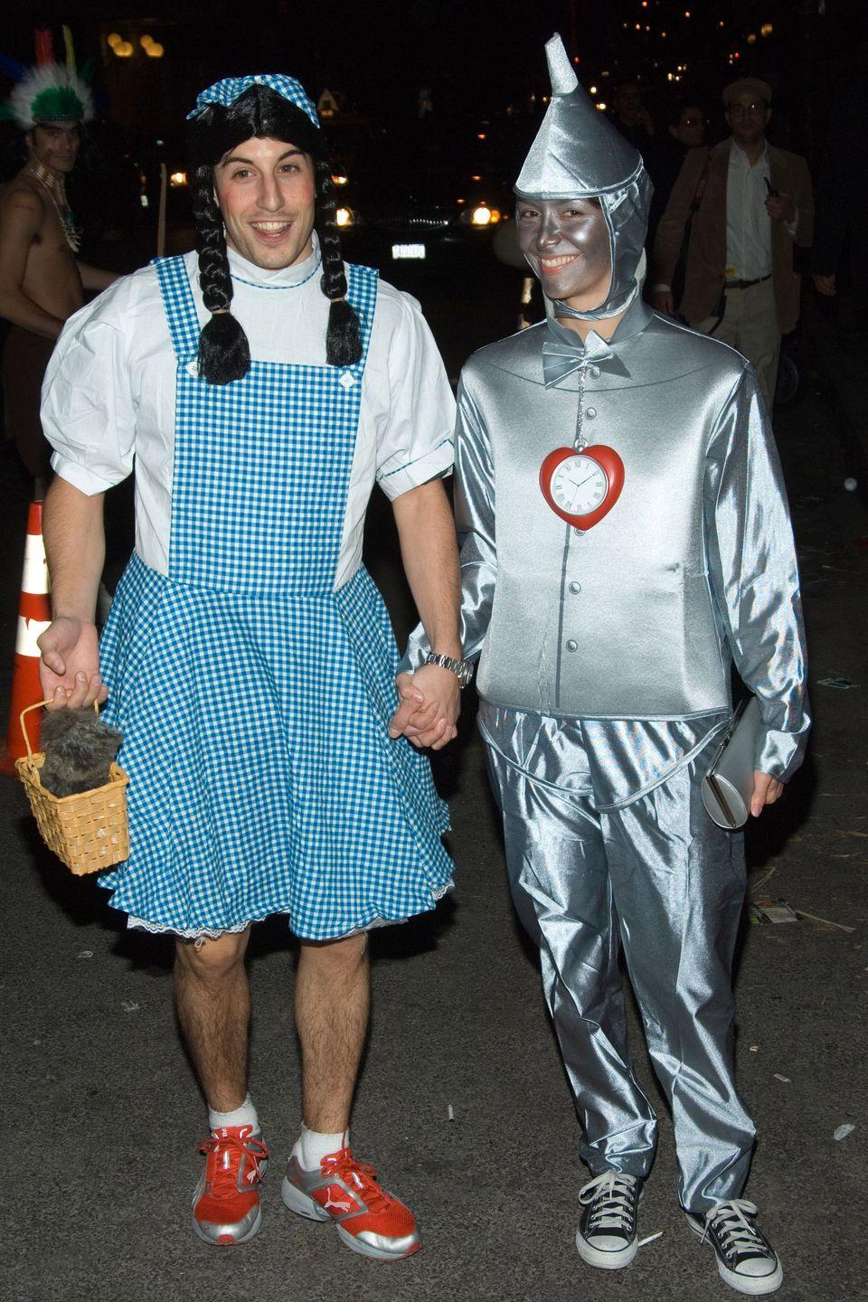 <p>The comedian flipped this common costume on its head by dressing up in the iconic blue gingham dress himself. Please note Toto in his basket.</p>