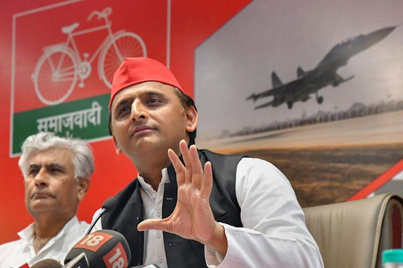 Akhilesh Calls for Home Quarantine of Patients with Mild Covid-19 Symptoms, Suggests 4-day Work Week