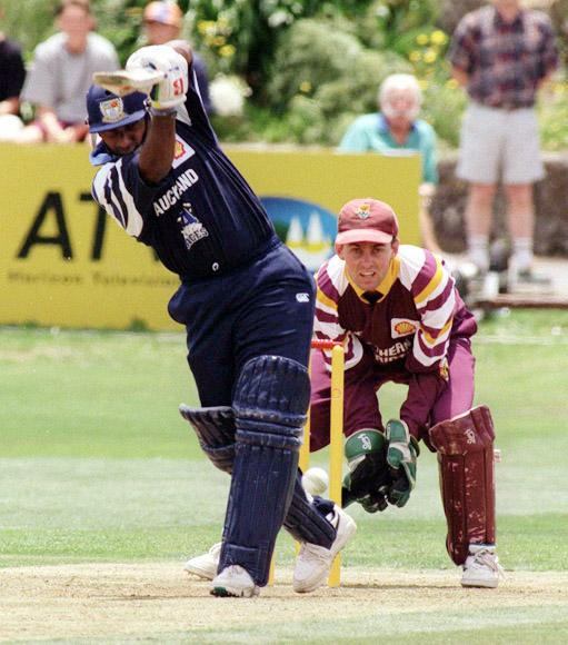 AUCKLAND, NEW ZEALAND - DECEMBER 26:  Auckland import Aravinda de Silva drives rforward on his way to 61 in the Shell Cup match against Northern Districts at Eden Park, Auckland, rThursday.  (Photo by Ross Setford/Getty Images)
