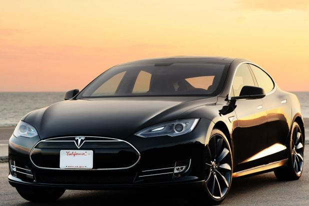Tesla Owner Was Watching 'Harry Potter' During Autopilot Crash, Says Truck Driver