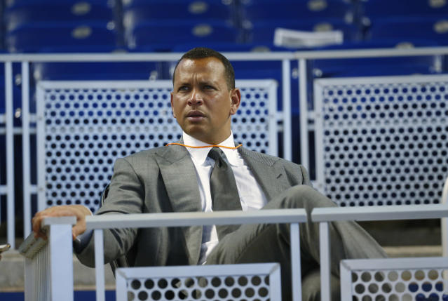 """Alex Rodriguez had some thoughts on the <a class=""""link rapid-noclick-resp"""" href=""""/mlb/teams/houston/"""" data-ylk=""""slk:Astros"""">Astros</a>' sign-stealing scandal. (AP Photo/Wilfredo Lee, File)"""