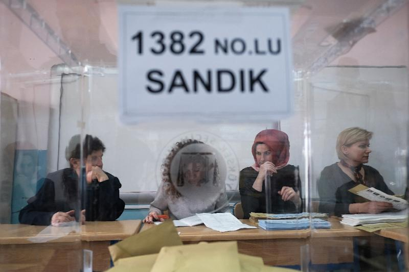 Erdogan's party to demand total recount of Istanbul ballots