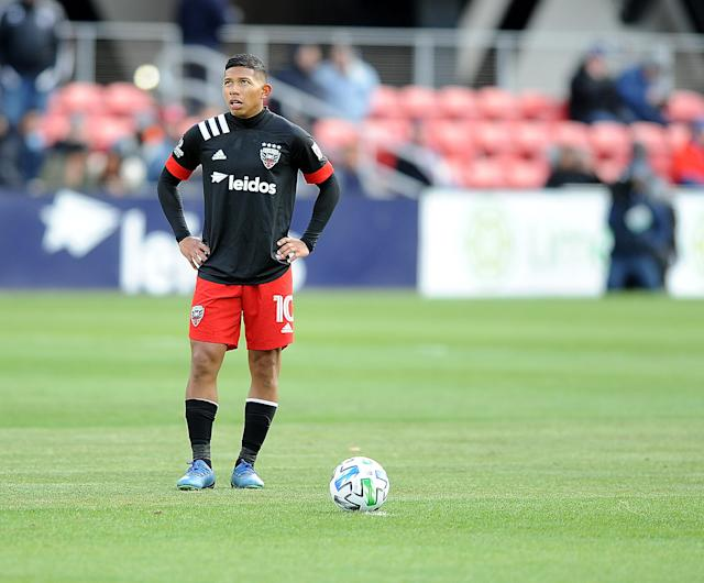 "Sunday's match between Edison Flores' D.C. United and Toronto FC was postponed after an unidentified player returned an ""unconfirmed positive"" COVID-19 test. (Jose Argueta/Getty Images)"