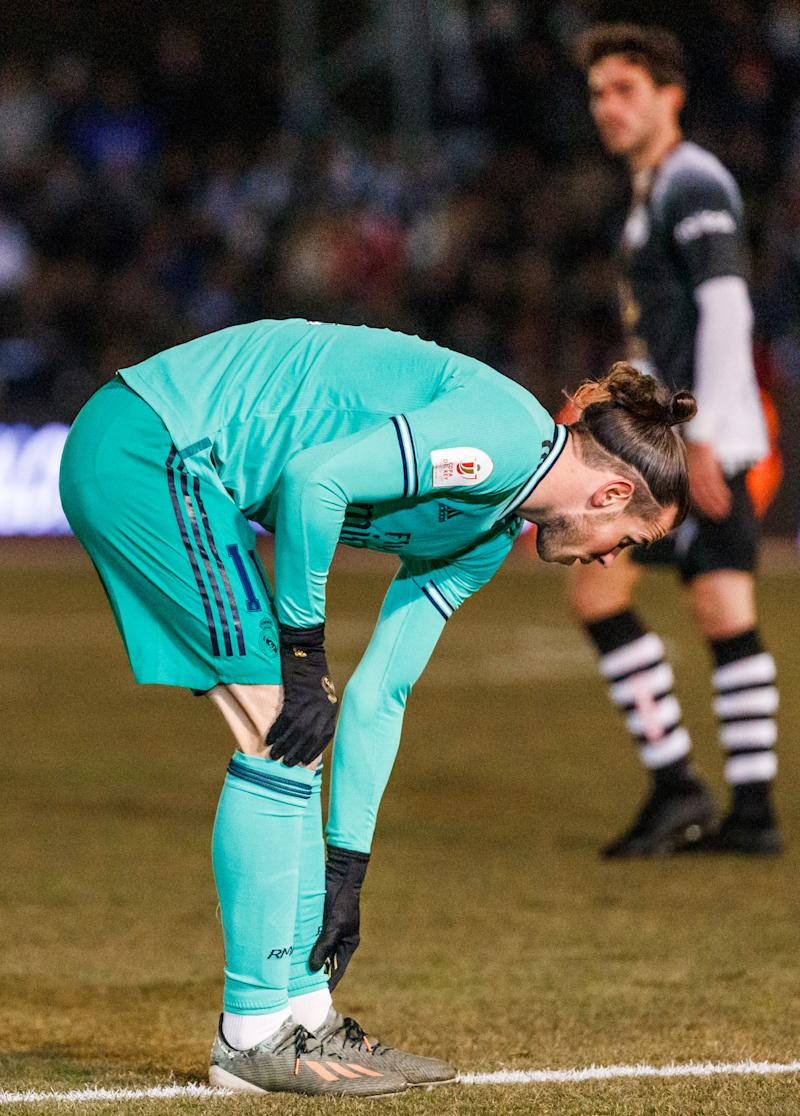 SALAMANCA, SPAIN - JANUARY 22: (BILD ZEITUNG OUT) Gareth Bale of Real Madrid looks dejected during the Copa del Rey round of 32 match between Unionistas CF and Real Madrid CF at stadium of Las Pistas on January 22, 2020 in Salamanca, Spain. (Photo by TF-Images/Getty Images)
