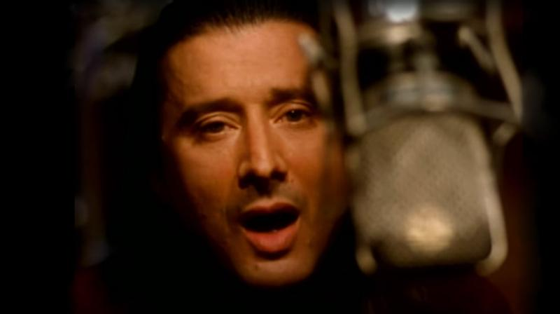 Flashback: Journey and Steve Perry Reunite for 'When You Love a Woman'