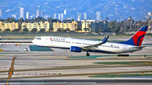 PHOTO: A Delta Airlines Boeing 737 takes off from LAX in Los Angeles, Feb. 6, 2017. (FG/Bauer-Griffin/GC Images/Getty Images, FILE)