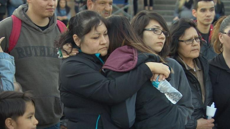 Hundreds meet, march for Serena McKay at Winnipeg vigil