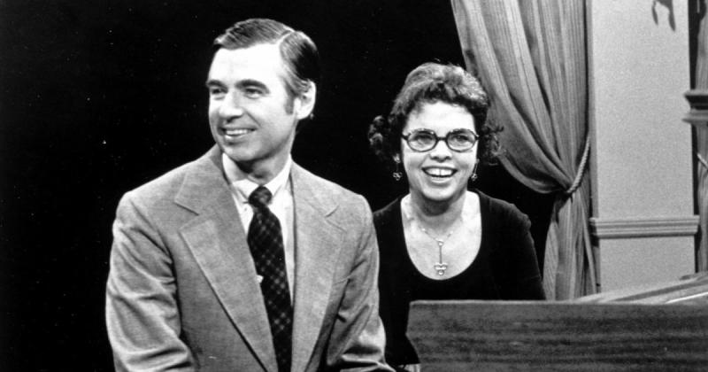 Mr Rogers Widow Joanne Shares The Poignant Lessons Her Husband Taught About Kindness