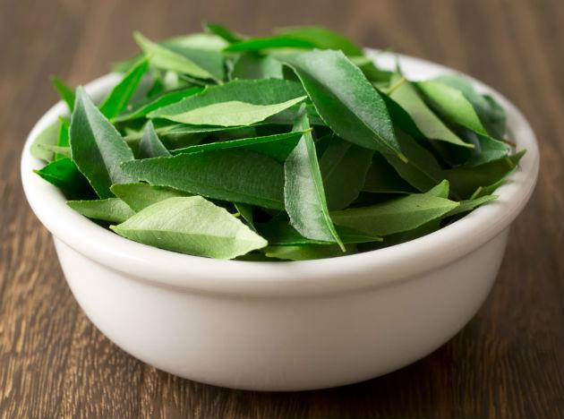 <b>Curry leaves:</b> Curry leaves help reduce LDL levels in the body and are a great way to detox. They also help reduce fat deposits in the body, a great aid to any weight-loss program. So add a few curry leaves into your curry or dal for a dose of great flavor and good health.