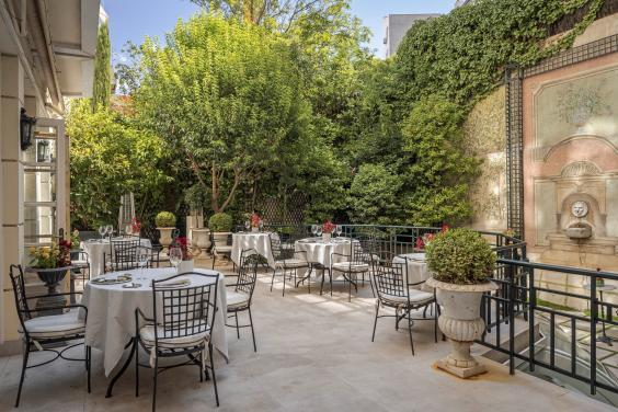 Relax in the refined Italianate terrace (Hotel Orfila)