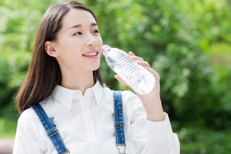 adult, air, asian, beautiful, bottle, campus, casual wear, chinese, drink, environment, female, freedom, girl, green, happy, hope, jeans, laughing, lifestyle, long hair, outdoors, oxygen, park, people, relax, serenity, smiling, student, summer, teenagers, thirst, transparent, travel, university student, vacation, water, white, young