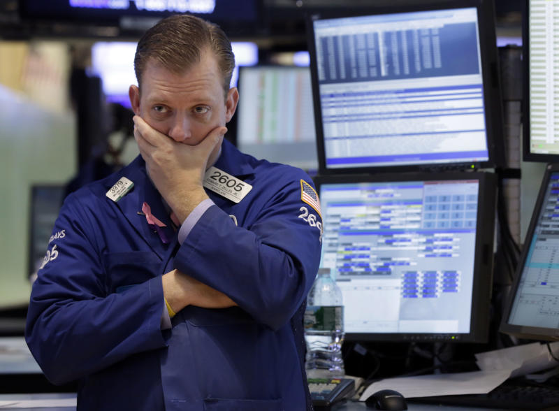 Stocks gain for second week, keeping S&P near high