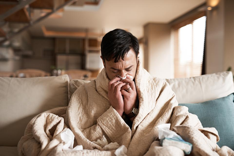 Experts are urging Canadians to receive the flu shot. (Image via Getty Images)