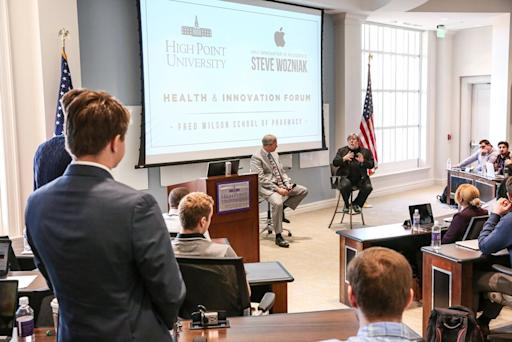 Apple Co-Founder Steve Wozniak Holds Micro Sessions with HPU Students