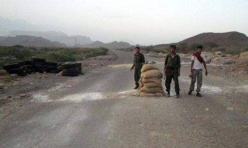 File picture of Yemeni soldiers at a checkpoint in Abyan province. Al-Qaeda militants on Sunday tried to overrun an army post in the Kud district of Yemen's restive Abyan province, sparking a fierce firefight in which five soldiers were killed, a military official said