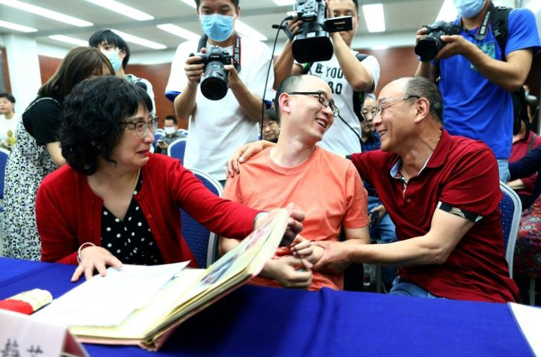Mao Yin had a tearful reunion with his birth parents who had never given up the search for their missing son