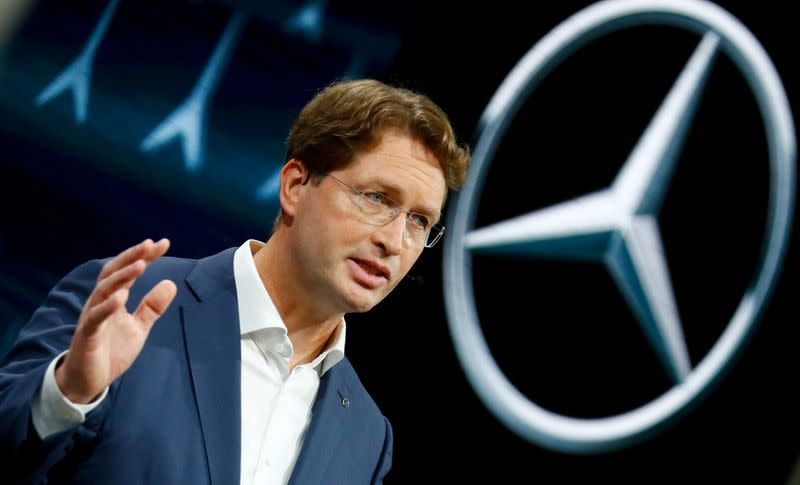 Daimler CEO committed to F1, seeks to slash costs