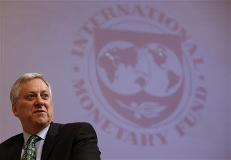 """IMF Asia-Pacific Department Deputy Director Schiff attends a seminar titled """"Abenomics Approaching Its One-Year Mark"""" hosted by IMF in Tokyo"""