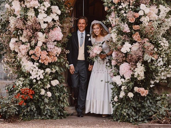 princess beatrice wedding photo 2