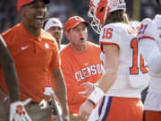 No. 3 Clemson dominates South Carolina in 38-3 win