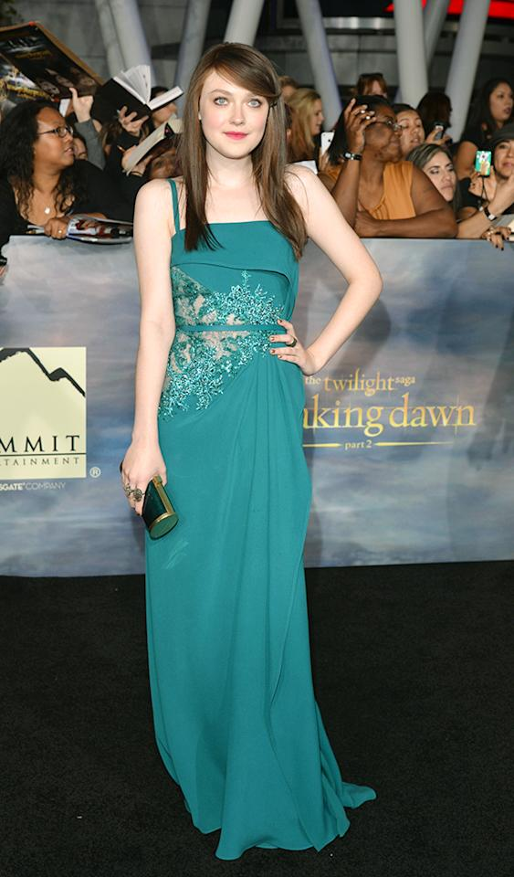 """LOS ANGELES, CA - NOVEMBER 12:  Actress Dakota Fanning arrives at """"The Twilight Saga: Breaking Dawn - Part 2"""" Los Angeles premiere at the Nokia Theatre L.A. Live on November 12, 2012 in Los Angeles, California.  (Photo by Lester Cohen/WireImage)"""