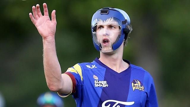 Warren Barnes of Otago bowls during the Twenty20 Supersmash match between Otago and Canterbury on December 26, 2017 in Alexandra, New Zealand. (Photo by Dianne Manson/Getty Images)
