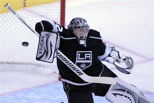 Los Angeles Kings goalie Jonathan Quick stops a shot during the second period of Game 3 of the NHL hockey Stanley Cup Western Conference finals against the Phoenix Coyotes, Thursday, May 17, 2012, in Los Angeles. (AP Photo/Mark J. Terrill)